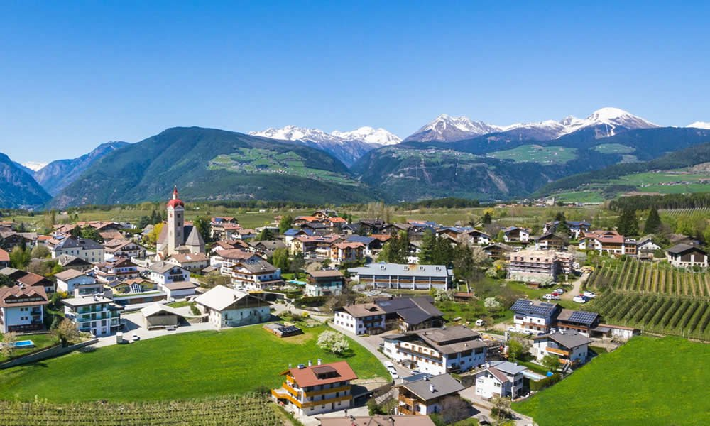 Agrotourism in South Tyrol – holiday flat in Naz-Sciaves –Isarco Valley