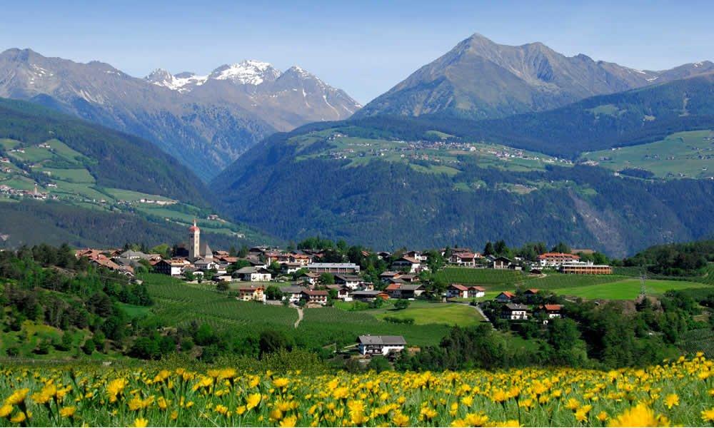 Frühling in Südtirol – Apfelblütenfest Natz