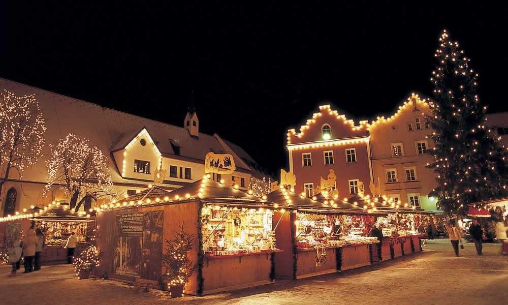 Winterzeit heißt stöbern auf dem Weihnachtsmarkt